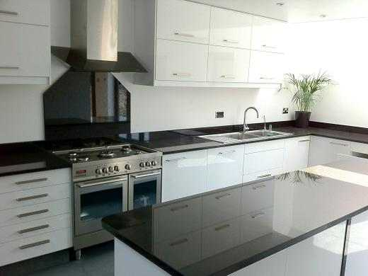 .Tunbridge Wells Modern Kitchen Fitters.Kent.TN1.TN2.TN3.TN4